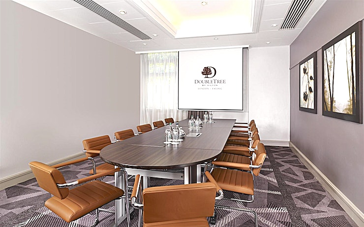 Townshend Suite **The DoubleTree Hilton - Ealing is a warm and inviting hotel that boasts an ideal location in the quiet suburb of Ealing, offering transportation links to both central London and Wembley Stadium.**  Our meeting rooms all feature natural daylight and we can host up to 300 Guests so host a meeting with us in one of our flexible meeting rooms or celebrate a special occasion in our attractive event Space. Let our professional banquet staff organize your dream wedding reception or important business event.